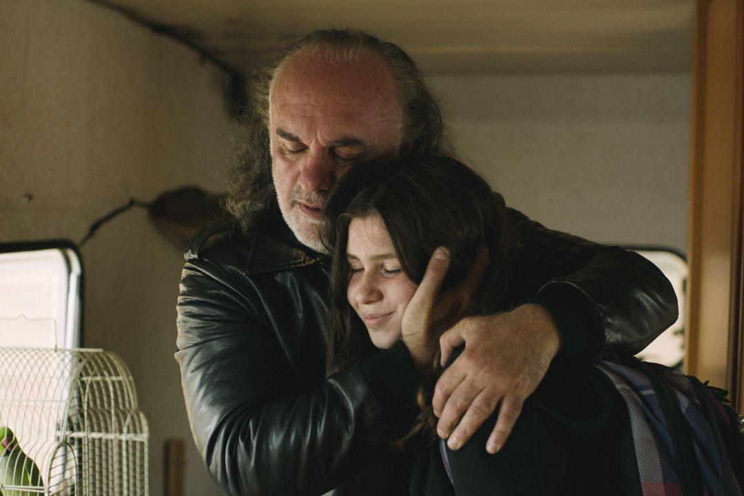 Lux Aeterna (2019): la recensione del film di Gaspar Noé con Charlotte Gainsbourg, tra cinema e videoarte