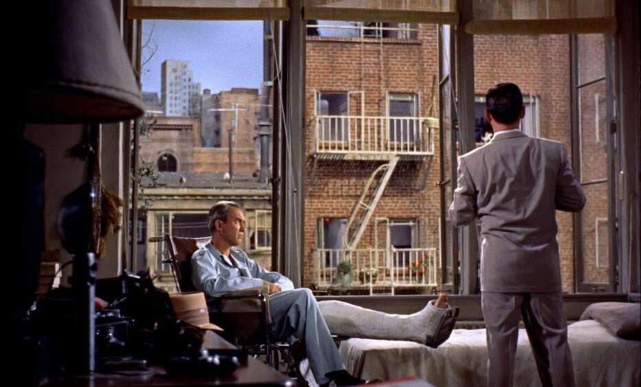 la-finestra-sul-cortile-1954-rear-window-alfred-hitchcock-06-932x563-1620225799.jpg