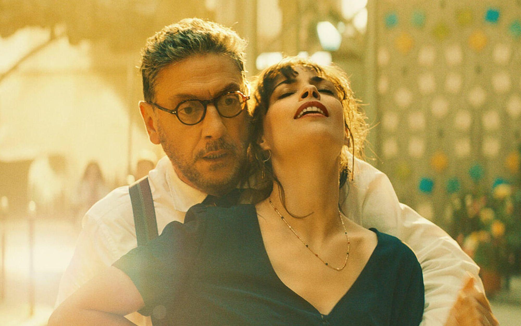 Il Materiale Emotivo (2021), la recensione: la coppia Castellitto-Mazzantini porta al cinema un'idea del maestro Ettore Scola