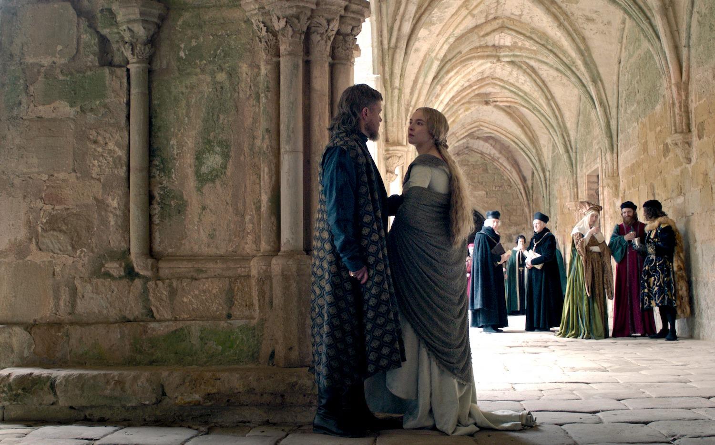 """""""Tratto da una storia vera"""": possiamo fidarci di film e serie tv? Da The Crown a L'incredibile storia dell'isola delle Rose"""