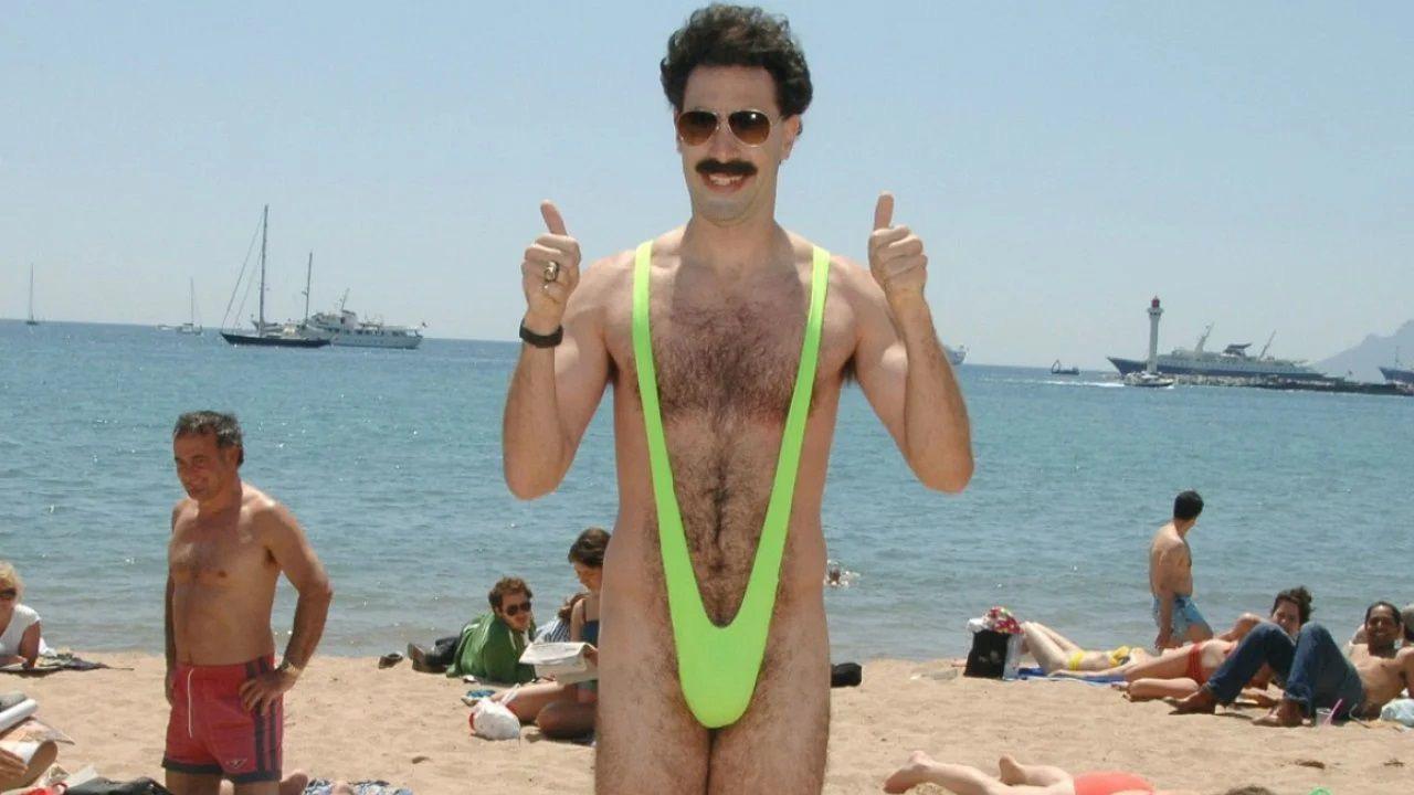 Borat 2 (2020), la recensione: il nuovo film di Sacha Baron Cohen meno demenziale e più politico