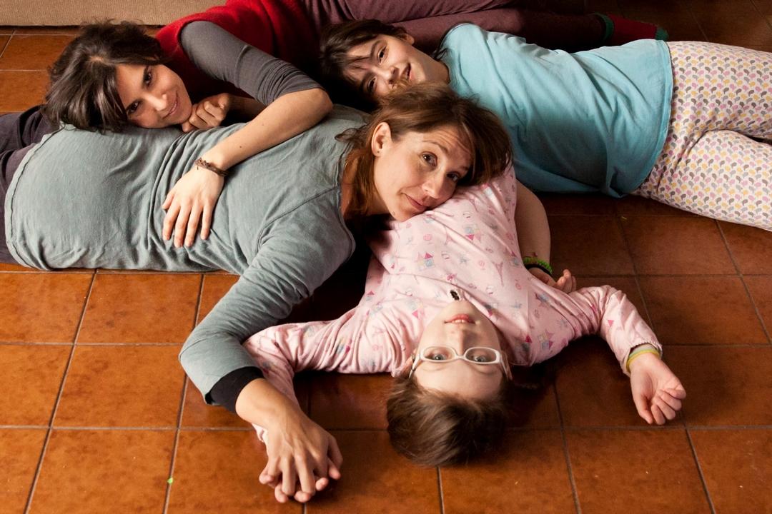 Rara - Una strana famiglia