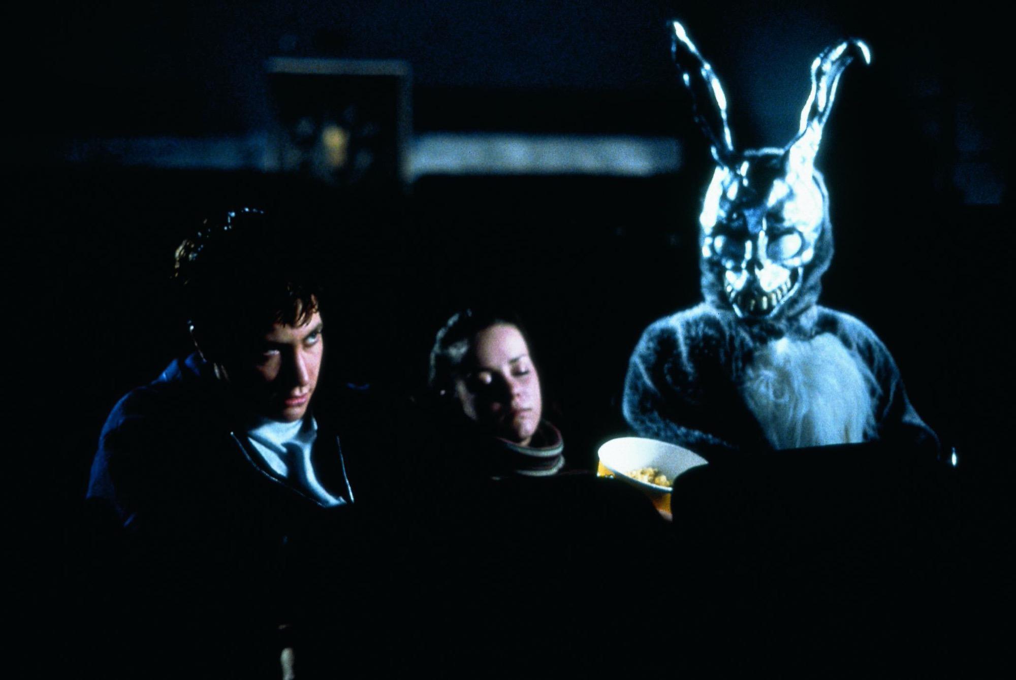 Waiting for the Barbarians: la recensione del film con Johnny Depp e Robert Pattinson